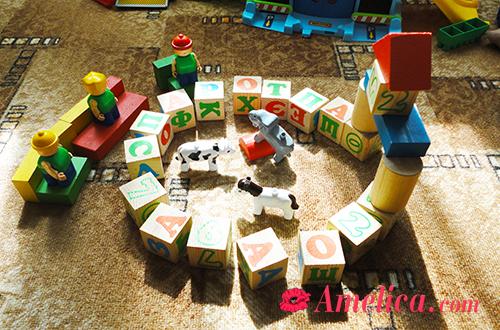 как выучить буквы с ребенком по кубикам