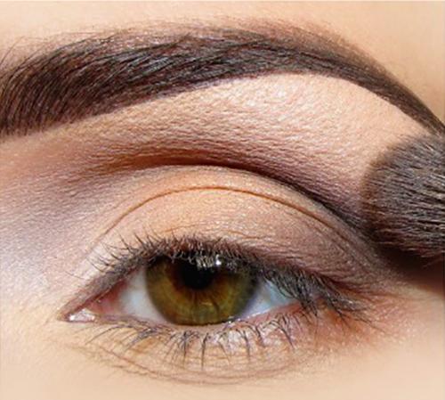 Повседневный макияж для карих глаз фото пошагово