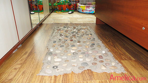 массажный коврик из камней для детей, коврик из камней своими руками, массажная дорожка для ног