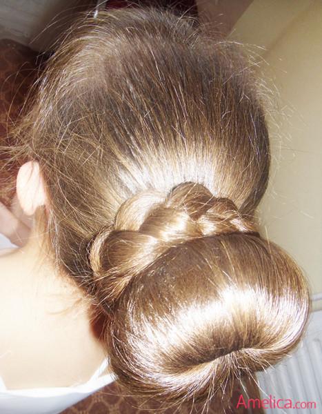 как сделать пучок на голове, шишка из волос с помощью бублика