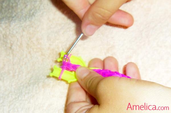 уроки плетения браслета из резинок, как плести браслет из резиночек рыбий хвост